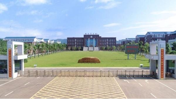 湖南 | 衡阳师范学院附属中学使用大川专利风管-SWG镁质高晶风管